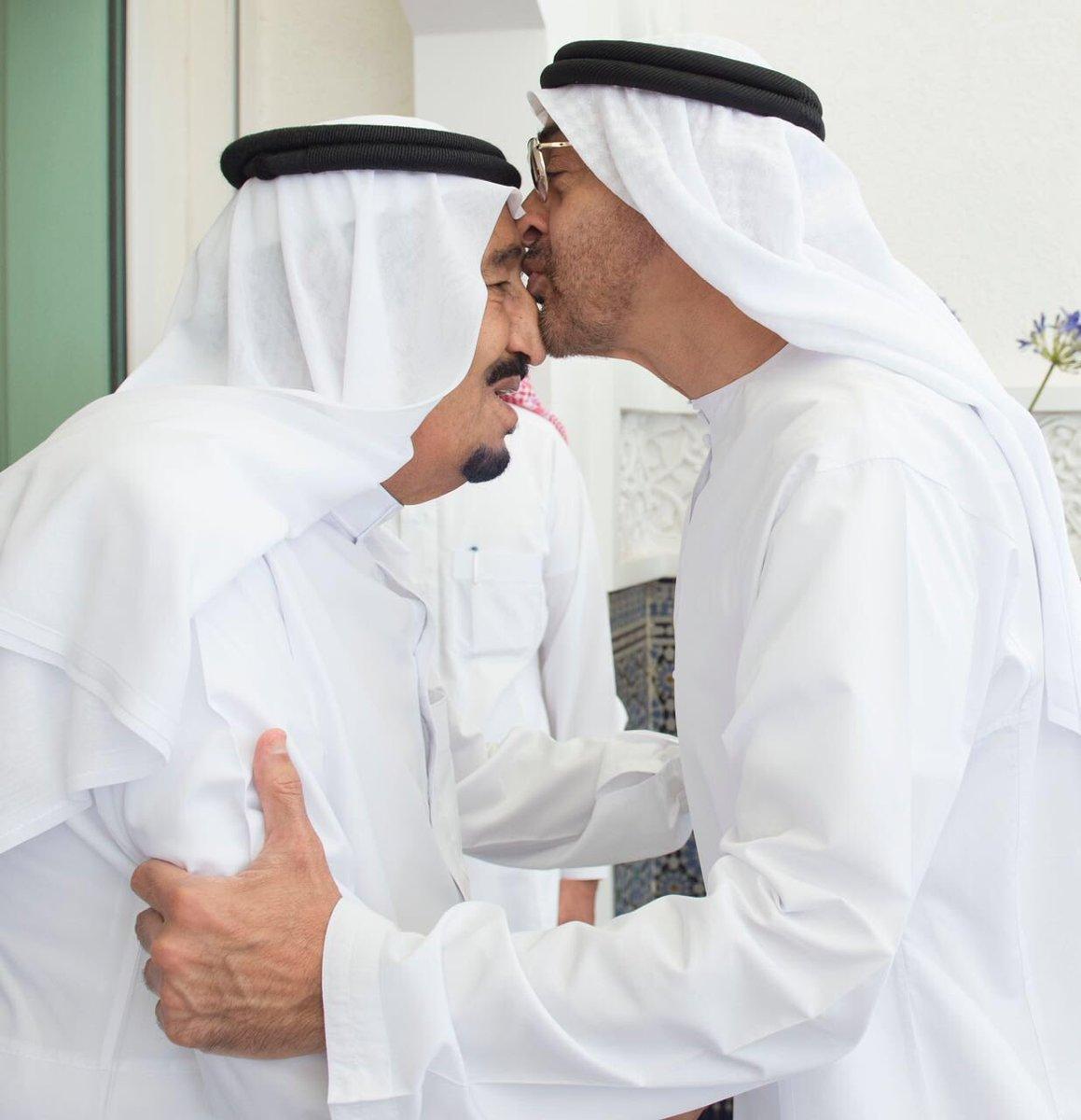 الملك سلمان يستقبل محمد بن زايد1