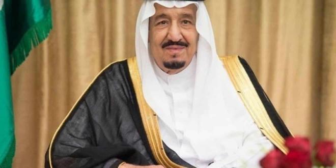 صورة الملك سلمان يتلقى اتصالات التهنئة برمضان من سلطان عمان وأمير الكويت