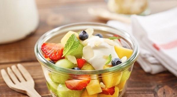 صورة لهذا السبب طبق سلطة الفواكه مهم في البرد