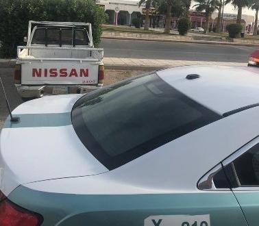 صورة المرور يتفاعل مع بلاغ مواطن ويضبط مركبة تحمل معدات ثقيلة