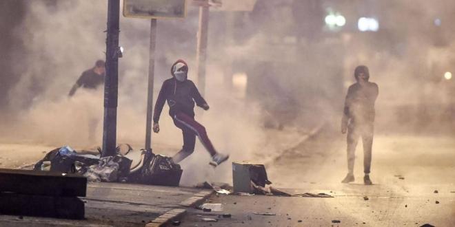 صورة تونس تشهد تظاهرات لليوم الثالث على التوالي
