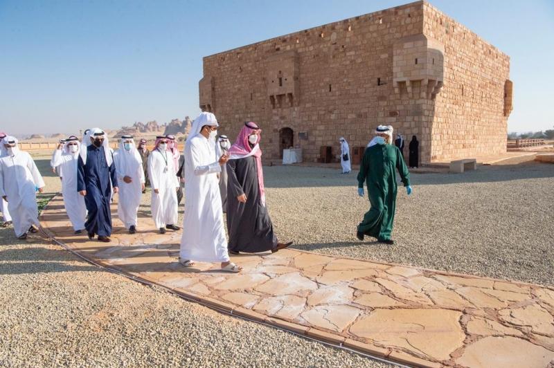 محمد بن سلمان يصطحب أمير قطر في جولة على المواقع الأثرية في العلا 1