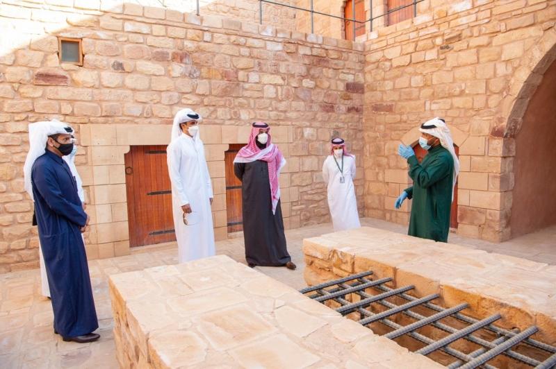 محمد بن سلمان يصطحب أمير قطر في جولة على المواقع الأثرية في العلا