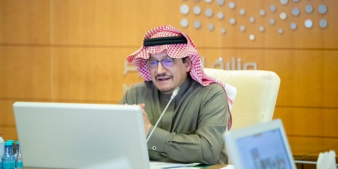 صورة آل الشيخ يعتمد الخطة الدراسية للتعليم عن بُعد.. حذف حصص النشاط والتركيز على تطوير المهارات