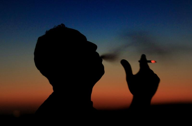 مسؤول مصري يثير الجدل: التدخين مفيد صحياً ويقضي على كورونا - المواطن