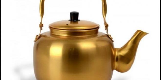 صورة أباريق الألومنيوم المطلية باللون الأصفر آمنة