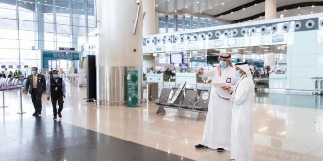 صورة الطيران المدني تدعو للتقيد بتطبيق الإجراءات الاحترازية في المطارات