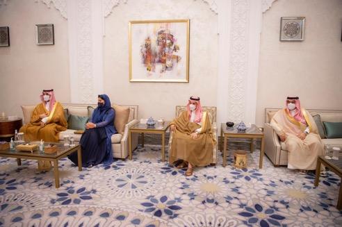 ولي العهد يلتقي المبعوث الأمريكي الخاص إلى اليمن - المواطن