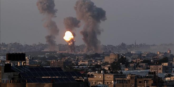 صورة ارتفاع حصيلة ضحايا غارات إسرائيل على غزة إلى 212 شهيدًا بينهم 61 طفلًا