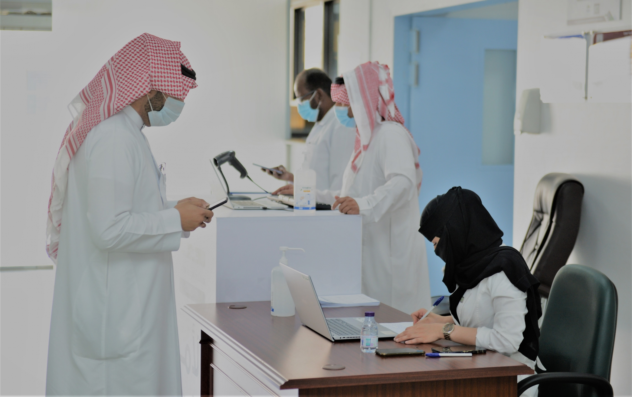 مركز لقاحات كورونا في جامعة الملك خالد