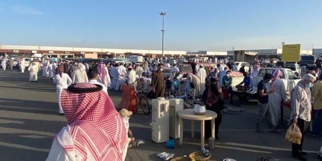 صورة إغلاق سوق الحراج بخميس مشيط لمخالفة الإجراءات الاحترازية