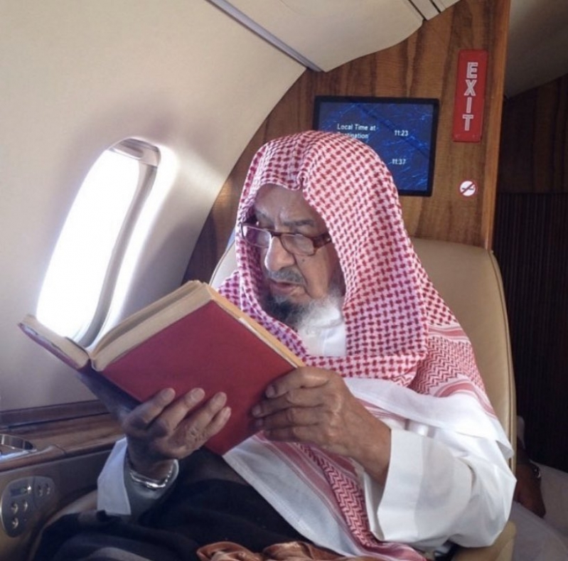المستشار بالديوان الملكي الشيخ ناصر الشثري في ذمة الله - المواطن