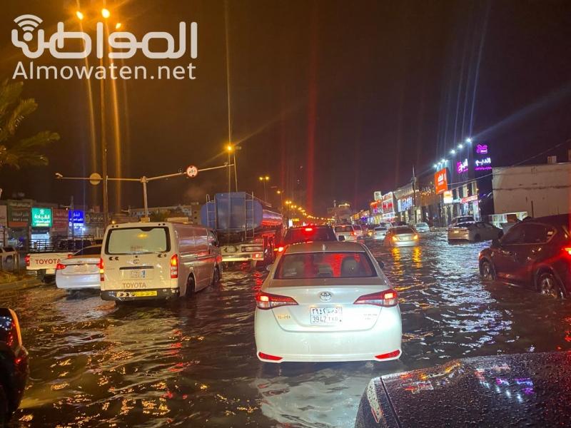 مطالبات بإيجاد حلول لتصريف مياة الأمطار بخميس مشيط