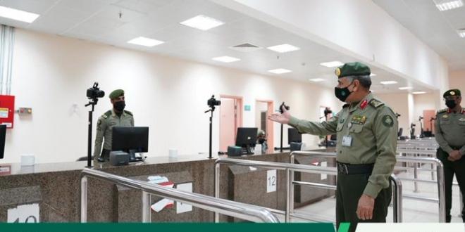 صورة مدير عام الجوازات يتفقد إدارة متابعة الوافدين بجوازات منطقة مكة
