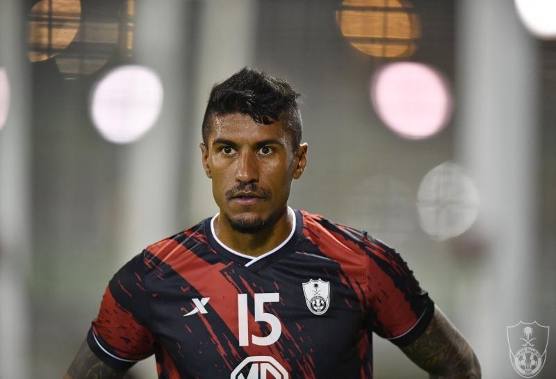 باولينيو لاعب الأهلي السابق