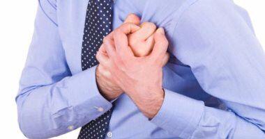 حقيقة حدوث 90% من الأزمات والنوبات القلبية ليلًا